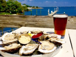 Oysters make us happy!!! ???Especially when they are only 25 cents each! Join us for Oyster Night at Atlas (every Monday night) and get your first dozen raw oysters for only 25 cents each. #oysters #pensacola